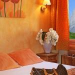chambre-jaune-2-hotel-des-alpes-bonneville